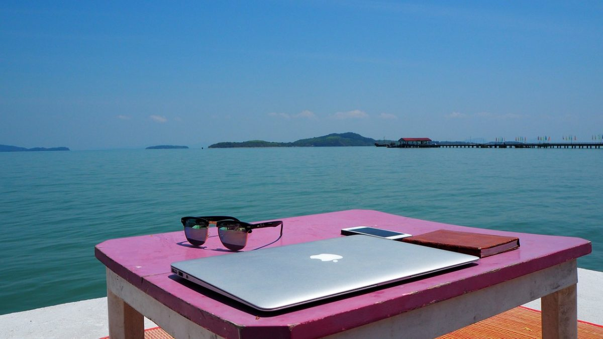 tom bloggt seinen alltag, frei leben, auf reisen geld mit ebooks verdienen